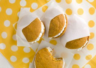 Mare_pumpkin_whoopie_pies_with_maple_marshmallow_cream_filling_h