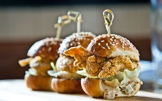 Esq-oyster-sliders-071911-xlg