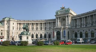 1024px-Wien_Hofburg_Neue_Burg_Heldenplatz